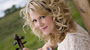 Natalie MacMaster with Symphony Nova Scotia – Strathspey and Three Reels