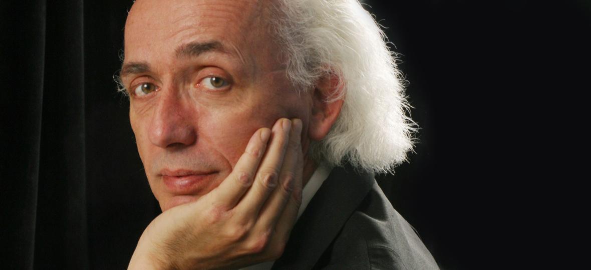André Laplante Performs Tchaikovsky